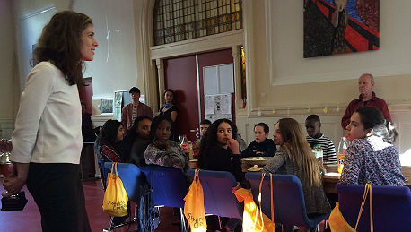 Wethouder Kukenheim reikt prijs uit aan Sweelinck College